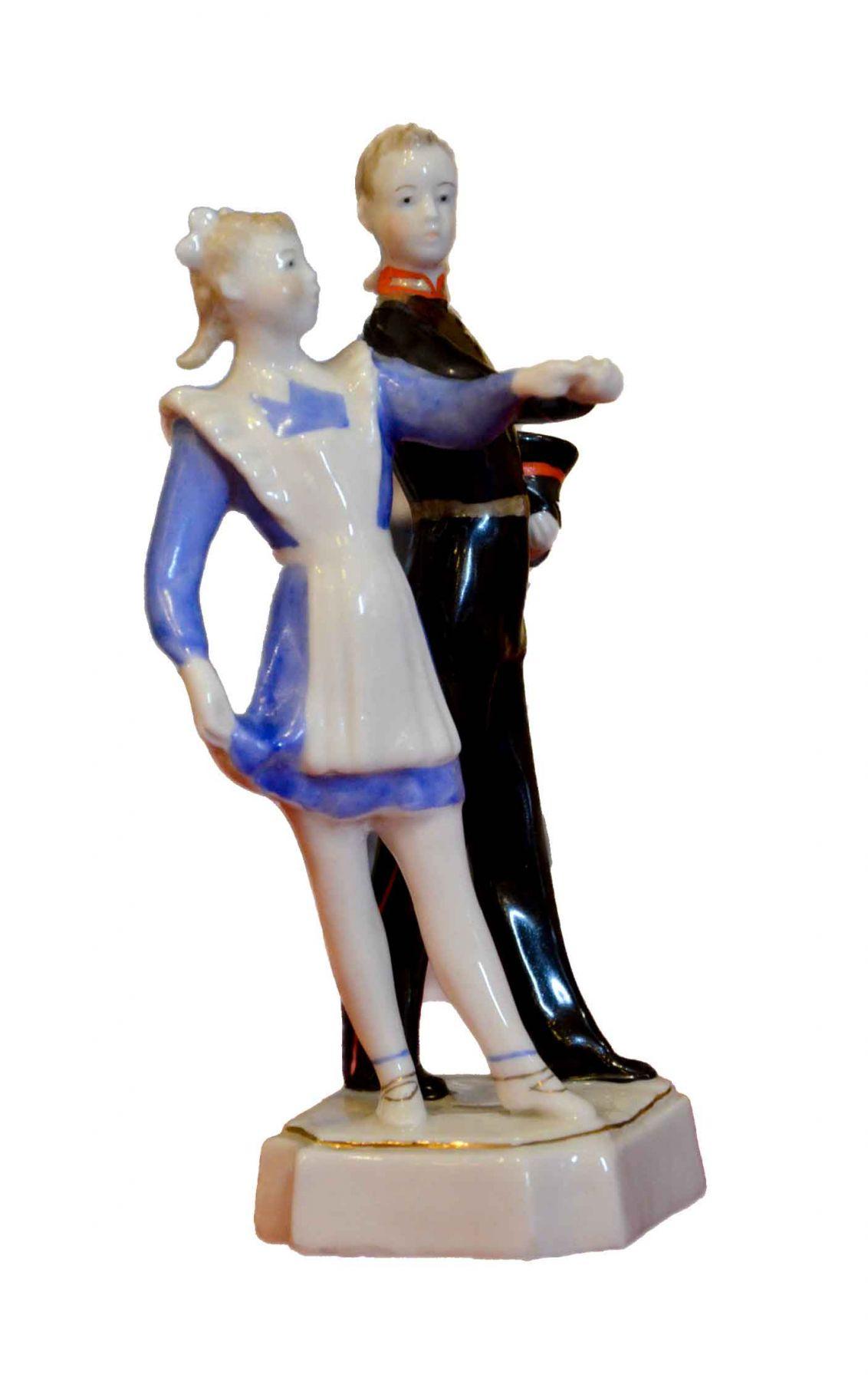 Скульптура «Первый бал».
