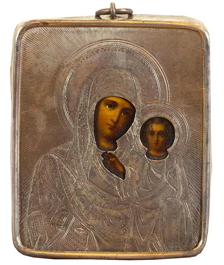 Икона «Казанская Богоматерь» в серебряном окладе.