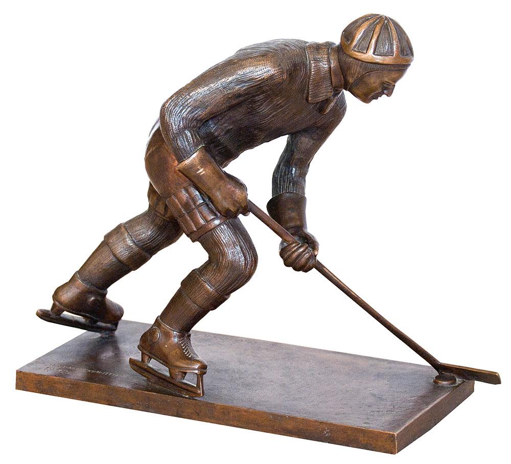 Хоккеист.