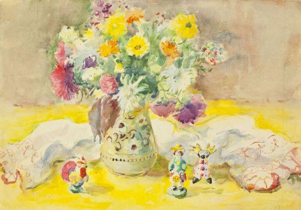 Натюрморт с цветами и дымковской игрушки.