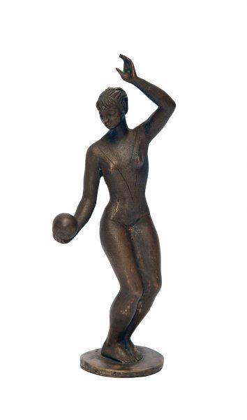 Гимнастка с мячом.