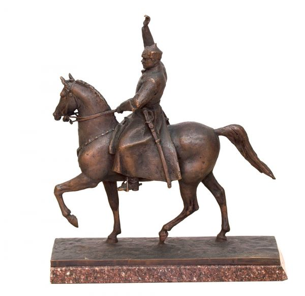 К.Е. Ворошилов на коне.