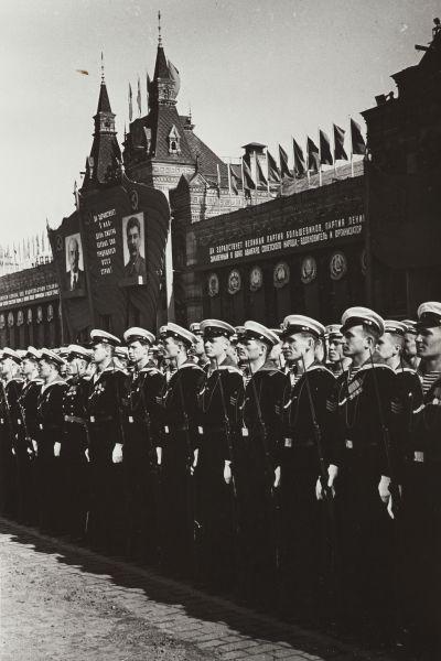 Военный парад. 1 мая 1946 года.