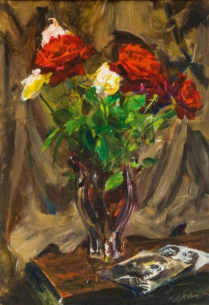Розы с фотографией Высоцкого.