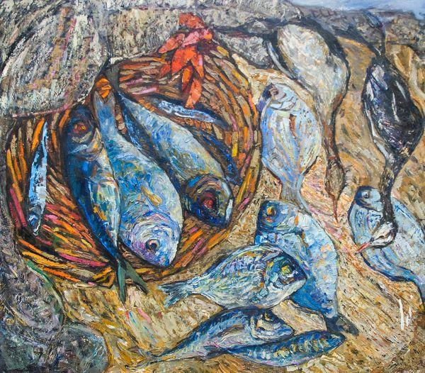 Натюрморт с корзиной вяленой рыбы.