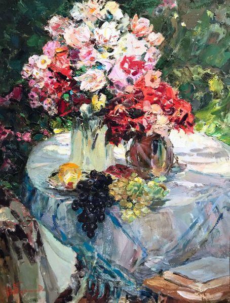 Цветы и фрукты.
