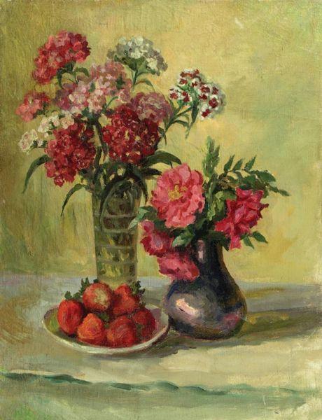 Натюрморт с клубникой и цветами.