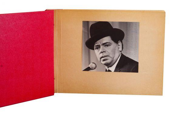 Два фотоальбома. 39 фотографий с автографами советских артистов эстрады, театра и кино прошлого столетия.