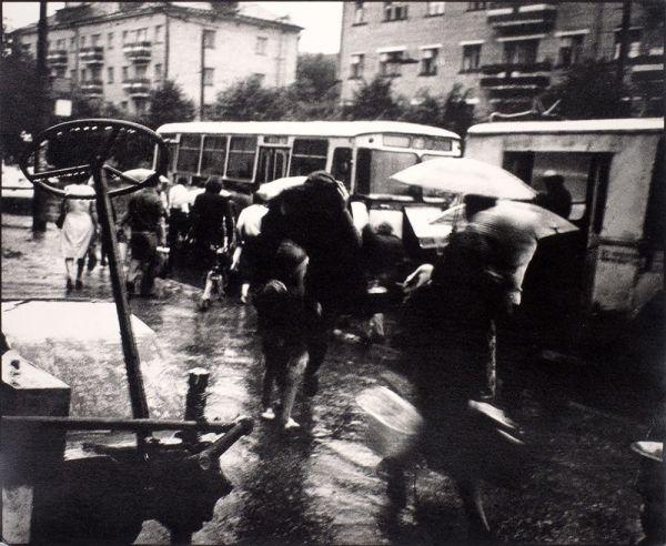 Город в дожде.