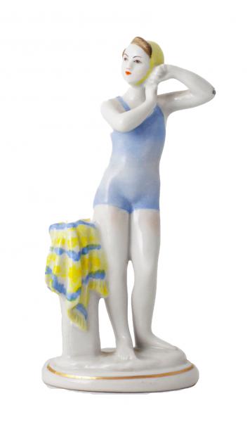 Статуэтка «Юная купальщица».