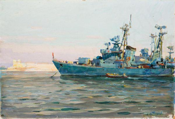 Эсминец перед выходом в море.