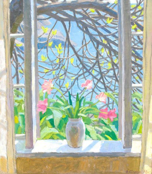 Тюльпаны на окне.